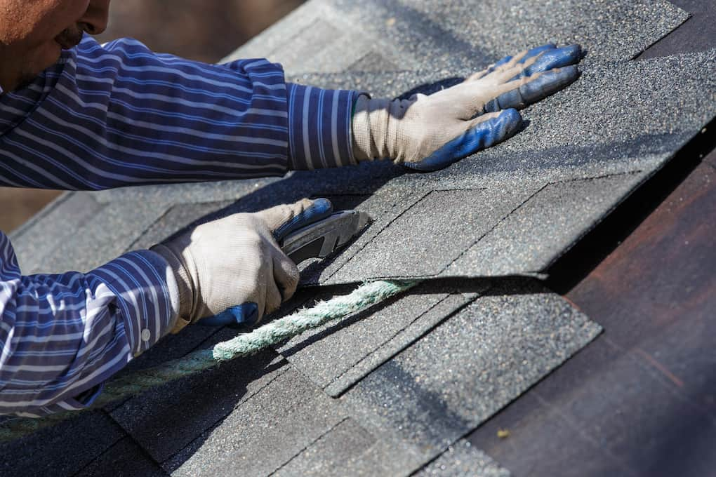 use gloves to ensure roofing safety
